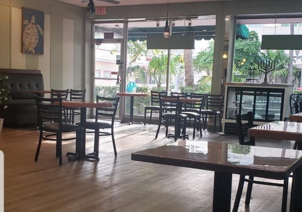 Cafe Vert Miami, indoor dining and outdoor dining