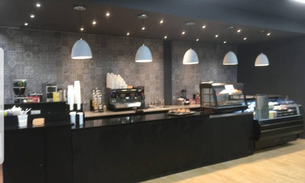 koshertown Cafe, Crown Height, interior