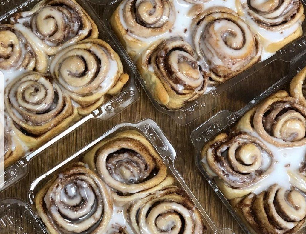 cinnamon bun pastries at Koshertown Cafe