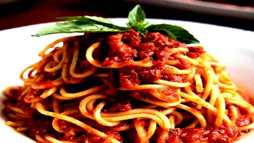 spaghetti and house marinara sauce