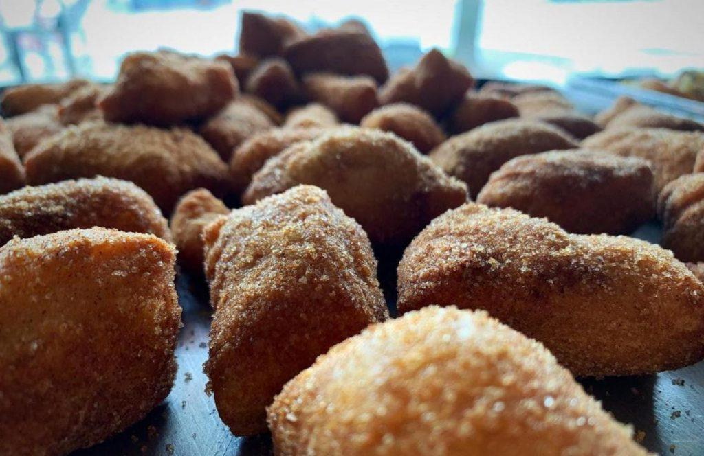 fried dough balls with cinnamon sugar